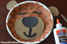 "Check out our Paper Plate Sleeping Bear kid craft idea, inspired by the children's book ""Bear Snores On"" - a personal favorite of ours! Bear Crafts Preschool, Zoo Crafts, Glue Crafts, Kids Crafts, Preschool Activities, Preschool Winter, Preschool Projects, Preschool Christmas, Winter Activities"