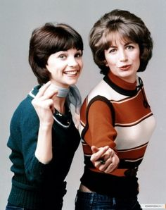"""Cindy Williams (Shirley) and Penny Marshall (Laverne) in the TV series """"Laverne and Shirley"""" -- """"Schlemiel, schlemazel, hasenfeffer, incorporated! Best Memories, Childhood Memories, 1970s Childhood, Happy Days Tv Show, Cindy Williams, Hayley Williams, Penny Marshall, Emission Tv, Laverne & Shirley"""