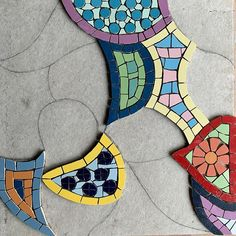 Im making a #mosaic paving stone at the moment to be inlaid on a #patio #wip #workinprogress #mosaics #art #becreative