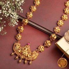 Antique Jewellery Designs, Gold Earrings Designs, Gold Jewellery Design, Necklace Set, Short Necklace, Clover Necklace, Long Necklaces, Simple Necklace, Womens Jewelry Rings