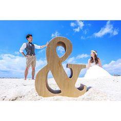 《前撮り》や《フォトウェディング》で大人気!「&オブジェ」 を使ったポーズ&アイディア*7選 | ZQN♡ Beach Wedding Photos, Hawaii Wedding, Wedding Pictures, Engagement Pictures, Wedding Engagement, Wedding Goals, Dream Wedding, Engagement Photography, Wedding Photography