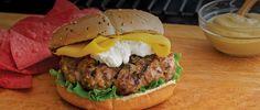 This recipe is SO GOOD..  A MUST TRY :)   Burger de canard à la mangue au chèvre :: Canard du Lac Brome