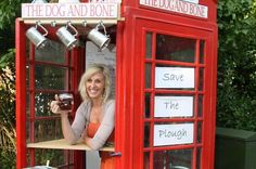 Britain's Smallest pub gets behind the Sunday Mirror's Save Our Pubs campaign - Mirror Online British Country, British Pub, British Isles, Storefront Signs, Old Pub, English Village, Pub Signs, Unusual Homes, London Pubs
