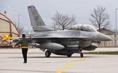 F-16DM 89-2178 510thFS 31stFW USAFE Aviano AB, Italy