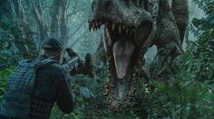 Jurassic World bat un nouveau record au box office américain avec près de 300 millions de dollars en une semaine.