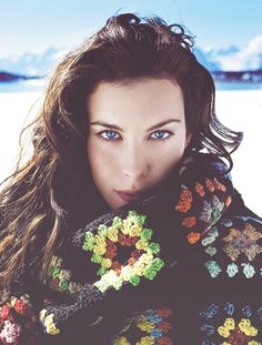 Liv Tyler -  Beautiful complexion, oblong face shape, big almond-shaped eyes. Pretty similar to Benedict Cumberbatch's features, actually. The Elvish, ethereal type in my personal beauty-canon.