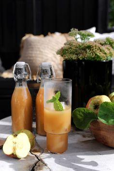 APPLE AND GINGER JUICE Ginger Juice, Pink Lady, Frisk, Cantaloupe, Apple, Food, Alcohol, Apple Fruit, Essen