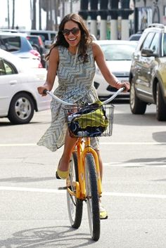 Celebrity Bike Style: Rosario Dawson