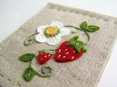 Strawberry Applique {what a darling idea for a needlebook!}