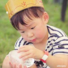😍💗 Triplet Babies, Korean Tv Shows, Song Triplets, Superman Baby, Song Daehan, Cute Asian Babies, Foto Instagram, Cute Faces, Dads