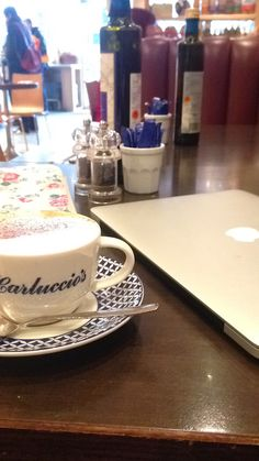 As a chain, Carluccio's is pretty good, although the acoustics are always terrible (not that this matters if you're a happily alone blogger looking for some writing time, it just makes it tricky for group meals.)  The one bug bear I have with it, is that if you're on your own they always try and put you on one of the tiny cramped tables down the middle of the restaurant, while you gaze lovingly at the empty banks of padded cubby-hole style seating around the edges.