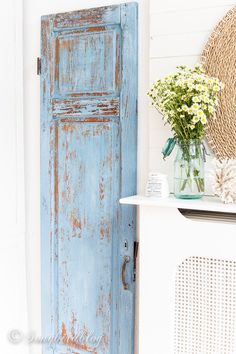 An old, tired wardrobe door makeover with milk paint in the color French enamel. Now this chippy, shabby beauty is just the perfect decoration in a cottage home. Shabby Chic Interiors, Shabby Chic Homes, Shabby Chic Furniture, Shabby Chic Decor, Furniture Nyc, Bedroom Furniture, Furniture Ideas, Furniture Design, Bedroom Decor