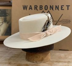 Bone and Velvet has been a popular combo this year! O Cowboy, Cowgirl Hats, Western Chic, Western Wear, Womens Western Hats, War Bonnet, Love Hat, Custom Hats, Cool Hats