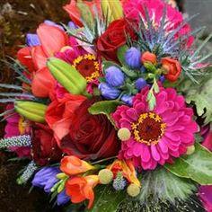 10 Staggering Tips: Boho Wedding Flowers Sunflowers wedding flowers bouquet greenery. Country Wedding Flowers, Neutral Wedding Flowers, Romantic Wedding Flowers, Bouquet Wedding, Red Wedding, Boho Wedding, Wedding Stuff, Lush, Inexpensive Wedding Flowers