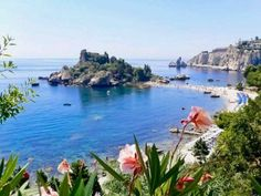 Italy / Sicily - absolutely beautiful. Hope to visit my Mans mom next summer. Not sure if I'll be able to leave though. #taormina #sicily #sicilia