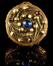 Wonderful Art Nouveau Compact with Pearls & Jewel Toned Paste, Mesh Bottom