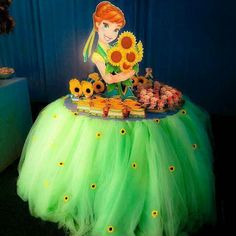 Disney Princess cupcake table Ana summer frozen