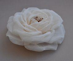 Haarschmuck & Kopfputz - Rose aus Seide - ein Designerstück von LovelyBlossom bei DaWanda