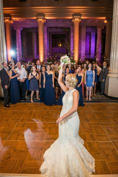 Bouquet Toss The Columns Memphis Weddings By Southern Event Planners Photo Snap