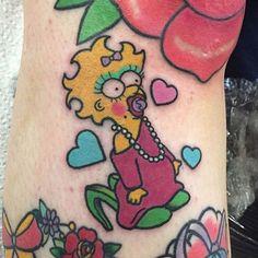 Resultado de imagen de tatuajes maggie simpson