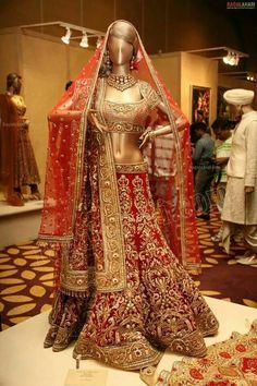 2015 trendy bridal lehenga designs for indian wedding Designer Bridal Lehenga, Indian Bridal Lehenga, Indian Bridal Outfits, Indian Bridal Wear, Red Lehenga, Indian Dresses, Anarkali, Bridal Dresses, Patiala Salwar