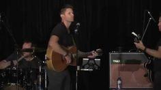 """Jensen Ackles sings Lynyrd Skynyrd's """"Simple Man,"""" at Supernatural VanCon2015 - Creation Ent. video"""