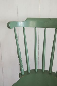 Oude Zweedse pinstoel groen | Stoelen | Rosa Rugosa
