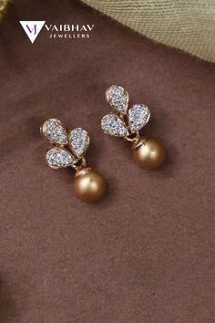 Gold Earrings For Kids, Gold Jewelry Simple, Kids Earrings, Jewelry Design Earrings, Gold Earrings Designs, Gold Jewellery Design, Designer Earrings, Fashion Earrings, Diamond Earing