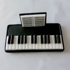 Keyboard Polymer Clay Business Card Holder por KerrysArtGarden