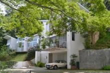 Contemporary house for sale in gated community surrounded by nature | Santa Ana