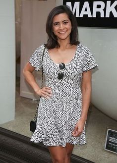 Weather Girl Lucy, Hottest Weather Girls, Fiona Bruce, Kirsty Gallacher, Juicy Lucy, Cool Outfits, Casual Outfits, Skateboard Girl, Most Beautiful Women