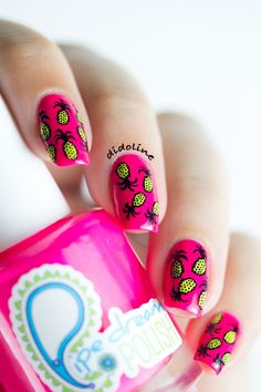 Pineapples everywhere nail art :)