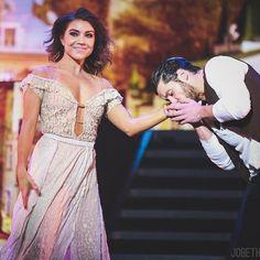 Little kiss on the hand | | @dance10jenna @iamvalc  #jennajohnson #valchmerkovskiy #valentinchmerkovskiy #dwts #dwtslive #dwtstour #dwtslive #dwtslivetour #wecametodance #wecametodancetour