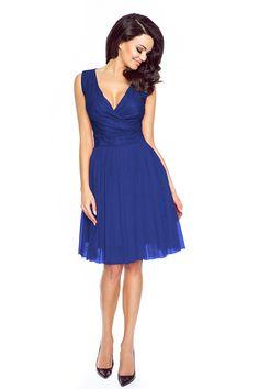 Koktajlowa sukienka z tiulem i koronką niebieska