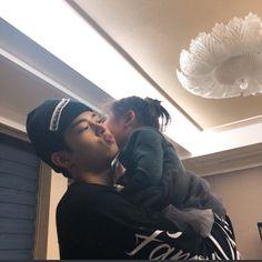 Little maknea holding a baby😍😍😍 Korean Men, Asian Men, Paul Kim, Twitter Video, Holding Baby, Kpop Boy, Boyfriend Material, Baby Pictures, In This World