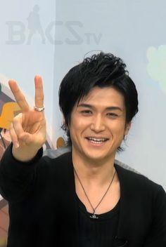 Daisuke Watanabe animateur dans l'émission Bacs tv photo