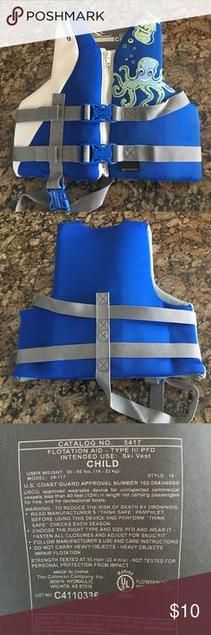 Child's Life Vest - Coast Guard Approved Great Condition!  Child's, coast guard approved life vest.  Weight limit 30-50 pounds.  Zips, two buckles across chest, one through the leg.  All zippers and buckles are in perfect condition.  Comes from a clean, smoke free home!  Keep your little one safe!  Please note: small mark on inside of vest about the size of a quarter. Stearns Swim