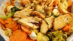 Sütőzacskóban készült csirkemell, zöldségekkel | Peak girl Nom Nom, Food And Drink, Low Carb, Meals, Chicken, Recipes, Joker, Diets, Recipe