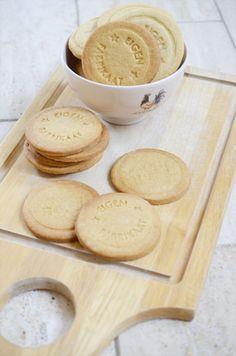 Home made Jodenkoeken Milk Cookies, Sweet Cookies, No Bake Cookies, Cake Cookies, No Bake Cake, Cupcake Cakes, Sweet Treats, Dutch Recipes, Sweet Recipes