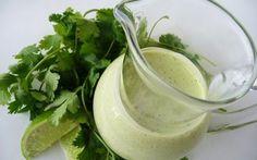 FacebookTwitterPocketWhatsApp  Un aderezo predominantemente aromático; ideal para acompañar ensaladas simples y de pocos ingredientes para resaltar su aroma y sabor. El