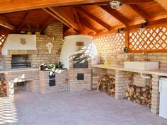 Even though historical throughout notion, the pergola has become going through a bit of a Backyard Kitchen, Summer Kitchen, Outdoor Kitchen Design, Rustic Kitchen, Kitchen Decor, Cocina Shabby Chic, Pergola, Brick Bbq, Off Grid House