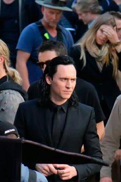 """.@ chrishemsworth and #TomHiddleston on set. #Thor @ABCNewsBrisbane"" https://twitter.com/0DanSmith/status/767560441593630720"