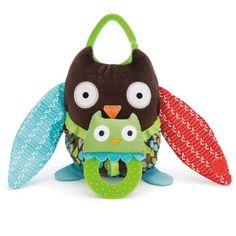Skip Hop Hug and Hide Stroller Toy, Owl Skip Hop http://www.amazon.com/dp/B005FIYDW8/ref=cm_sw_r_pi_dp_RtAuub0KQRJ92