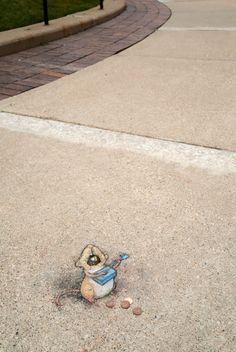 David Zinn - Street legend L. Towsley, shown here belting out the blues on a matchbox guitar. Street Art Banksy, Murals Street Art, 3d Street Art, Street Artists, Graffiti Art, Chalk Drawings, 3d Drawings, Pablo Picasso, David Zinn