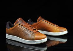 I love the look of these sneakers! I love the look of these sneakers! Sneakers Mode, Best Sneakers, Sneakers Fashion, Shoes Sneakers, Sneaker Boots, Shoes Men, White Sneakers, Adidas Stan Smith, Sock Shoes