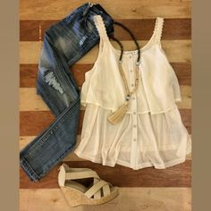 Love love love!  Skinny jeans, flowy tank and wedges. Perfect summer night outfit