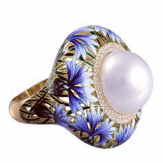 Magnolia ring by Ilgiz Fazulzyanov Art Nouveau Jewelry, Jewelry Art, Fine Jewelry, Fashion Jewelry, Jewelry Design, Enamel Jewelry, Antique Jewelry, Gemstone Jewelry, Vintage Jewelry