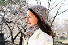 A slouchy hat featuring lace detail. Customizable with either a chain of leaves or a Lace Twist Motif. Modern and classic at the same time, this hat is the perfect accessory for any cold day, or the perfect gift! Kids Patterns, Slouchy Hat, Cold Day, Lace Detail, Ravelry, Winter Hats, Crochet Hats, Knitting, Classic