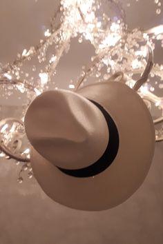 Tedd ragyogóvá szeretteid arcát! Ajándékozz Panamakalapot díszcsomagolásban! Cowboy Hats