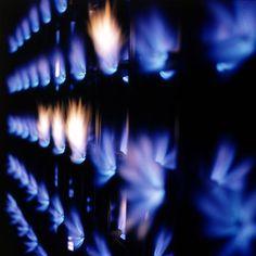 Fire Wall, Museum Haus Lange, Krefeld, exhibition Monochrome und Feuer. Yves… Yves Klein, Blue Blaze, Modern Art, Contemporary Art, Fire Painting, Mood Images, Crazy Colour, Monochrom, Klein Blue